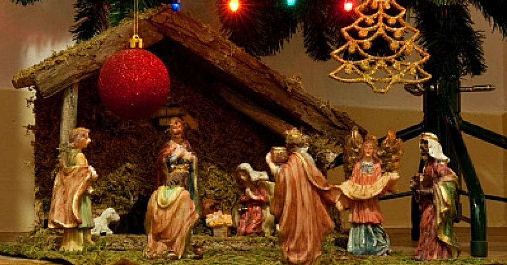 Christmas family traditions 12 meaningful ways to celebrate for How did the christmas tree tradition start